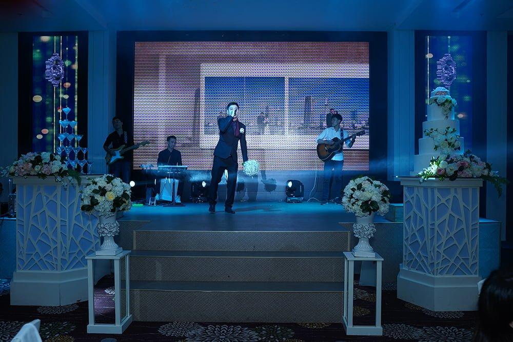 show đám cưới