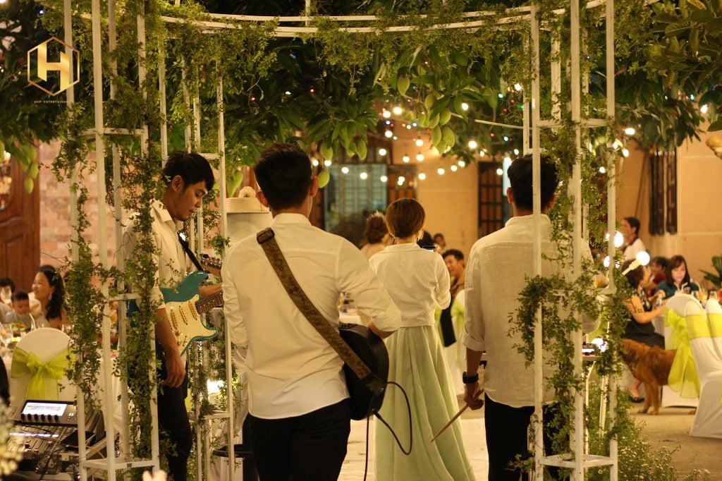 band nhạc chơi tiệc cưới
