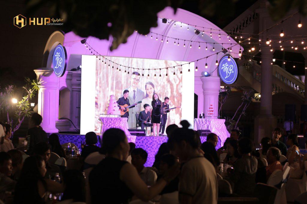 Bạn nhạc tiệc cưới